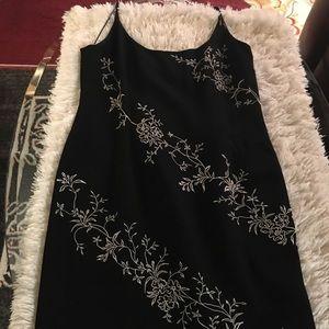 MAGGY LONDON - blk/wt spaghetti strap dress.